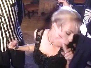 Kelly Trump - Au service de Madame