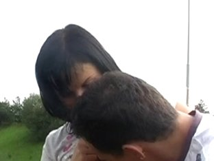 Brunette Hair shows mambos and sucks on the freeway