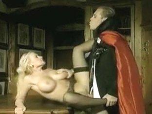 Rocco Siffredi and Tonisha Mills Ejacula la vampira