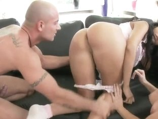 Lioness and Roberta suck the same cock on knees