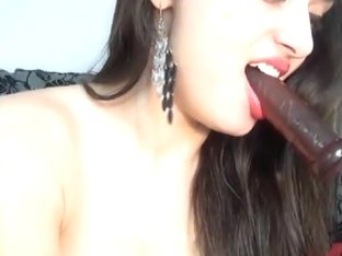Babe Sucks her Dildo like a Cock