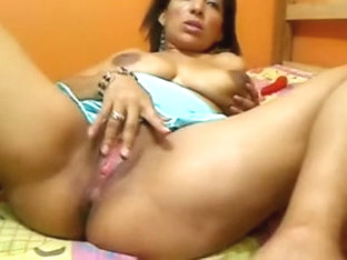 Hot Milf and 2 girls on webcam