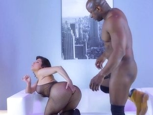 Prince Yashua fucks Aleksa Nicole with his huge black dick