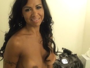 Hot face fuck for a horny Latina MILF