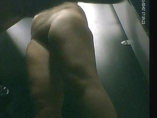 Curvy lady exposing her naked body on my spy cam