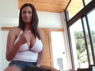Sensual Jane Busty Natural 1