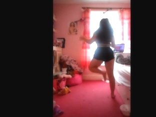 Astonishing butt popping livecam panty episode