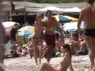 Amateur sex vid made on the beach