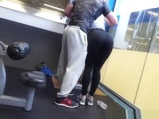 Big ass chick in tight sports pants