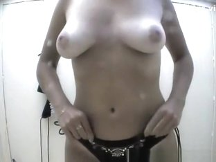 Nice body chick in beach cabin