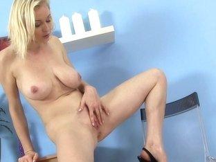 WetAndPissy Video: Sherry