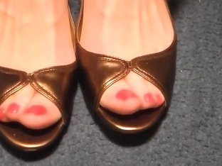 gold peeps close ups