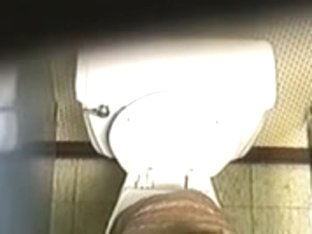 Cute girl gets filmed in the toiled on spy cam
