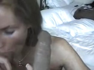 Slut does double blowjob in sex film