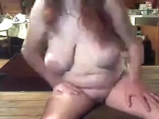 Plump mature wench with saggy big love zeppelins on webcam exposed