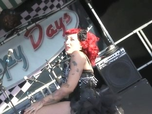 Burlesque Strip SHOW 008 Sherry BB Effeuillage