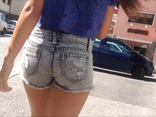 Candid - Mini short teen latina