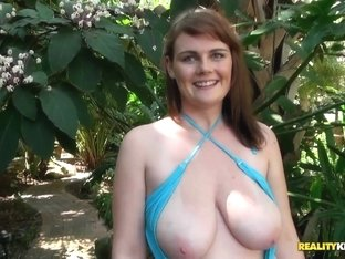 Erin Banks showing huge boobs and sucking Jmac