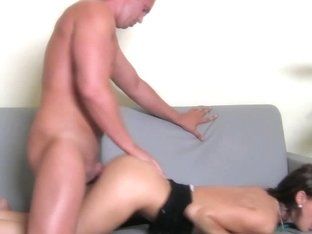 Femaleagent video: Tomas