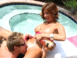 MilfHunter - Wet holiday