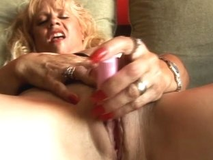 Video from AuntJudys: Brenda