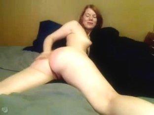 camgirl spanks herself