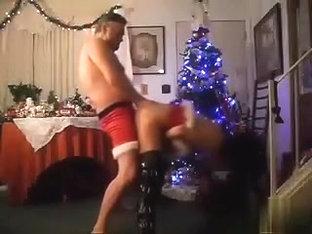 Cheerful holiday fucking! Mrs santa comes anew!