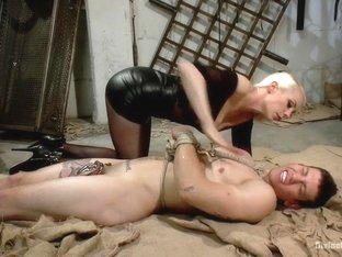 Divine Dungeon: A new slave is trained