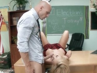 Future school president Jessie Rogers fucks the teacher