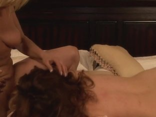 Sexy lesbian slut with wet cunt receives a nice rimming