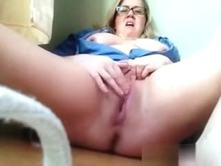 My large butt big beautiful woman whore masturbates just for me