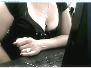 Sexy Filipina darksome brown woman I'd like to fuck acquires hot and plays on cam