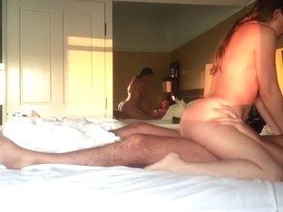 Chubby slut cums before the creampie