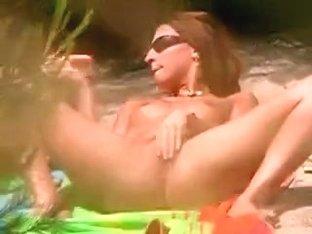 Honey caught dildoing on a deserted beach