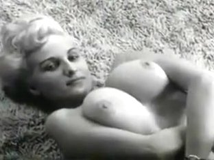 Vintage - Buxom Blonde