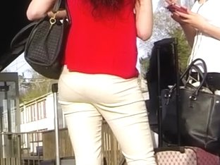 Candid - Young Babe With Pantie Lines In Tight Pants