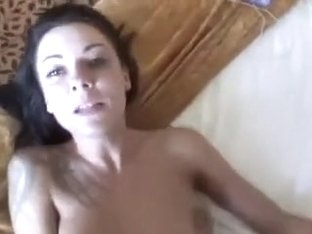 Non-Professional anal gal likes the 10-Pounder
