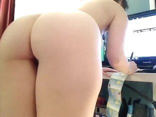Stripping with big tits and webcam