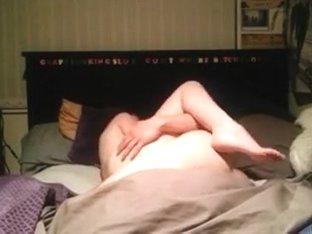 Sextape in her parents bed