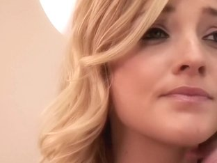 Alexis Texas Gets the Doctor to Play