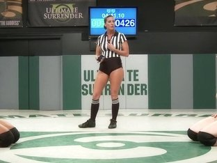 Unbelievable Welter Weight Match Mistress Kara v. Yasmine Loven