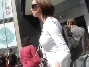 candid bouncing boobs