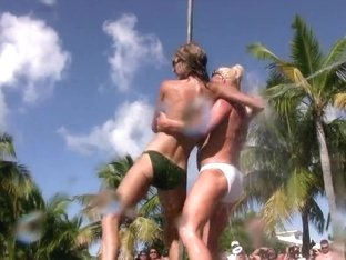 SpringBreakLife Video: Wild Pool Party