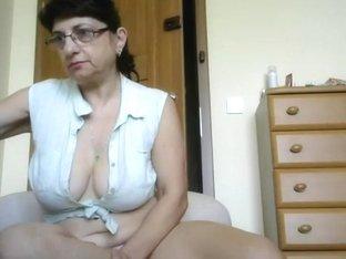 Granny's nice tits