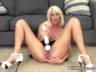 Amazing pornstar Riley Jenner in Fabulous Solo Girl, Natural Tits xxx scene