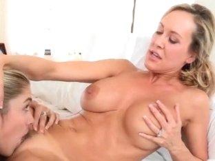 Teen beauty Lia Lor and booby milf Brandi Love fucked on turns