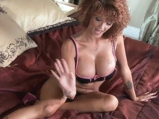 Sensual chick Joslyn James awards her neighbour for help