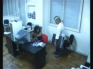 Office worker enjoys fuck