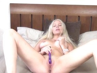 Blonde fucks her own cunt until she achieves climax