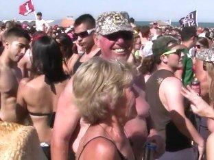 SpringBreakLife Video: Texas Beach Party